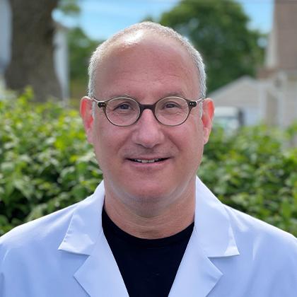 Dr. Marc Seigel headshot- Axia Women's Health