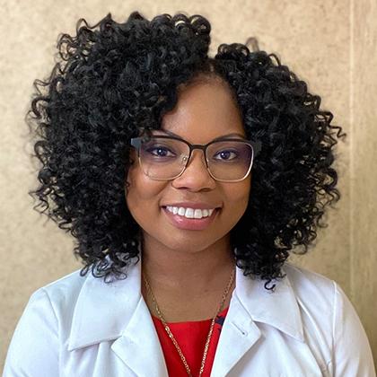 Tristin Cadle headshot - Axia Women's Health