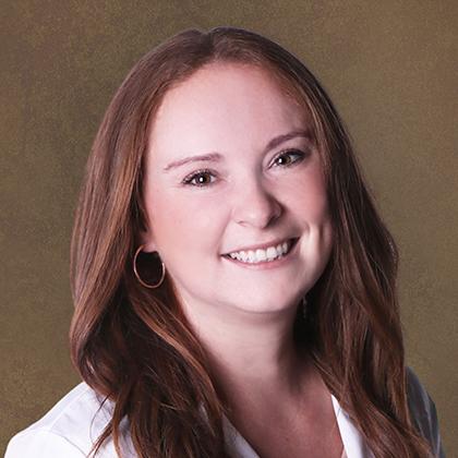 Kelli Paris headshot - Axia Women's Health